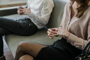 Este artículo habla sobre cómo declarar impuestos tras un divorcio. La imagen es acorde.